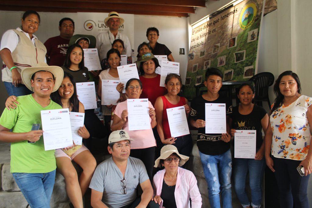 Emprendedores de Lomas de Lúcumo (Pachacámac) son capacitados en Talleres Productivos