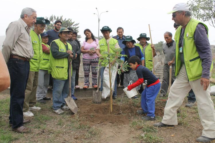 El Comité Ambiental Zonal (CAZ) Tablada de Lurín y Asociación UNACEM apoyan el desarrollo sostenible