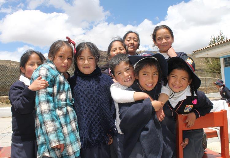 """La I.E. """"Antenor Rizo Patrón Lequérica"""" en alianza con Asociación UNACEM vienen promoviendo una infancia sin violencia para tener familias saludables"""